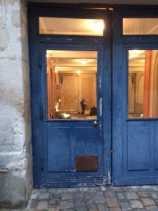 Porte cochère sur cour Versailles place Hoche AM JUNG PAUL